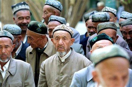 Hasil gambar untuk minoritas muslim Uighur