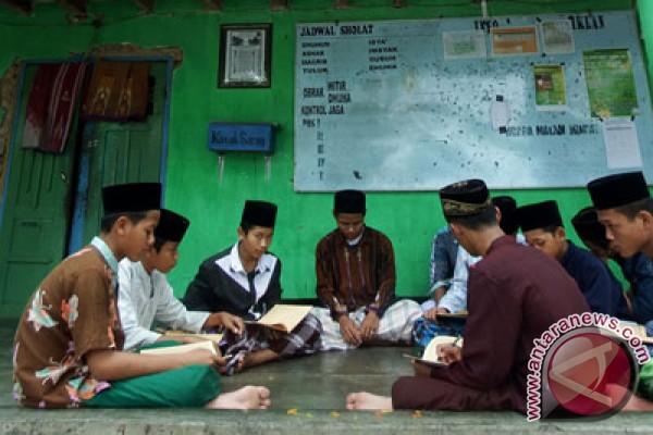 Sejarawan Nu Westernisasi Pesantren Lemahkan Islam Di Indonesia