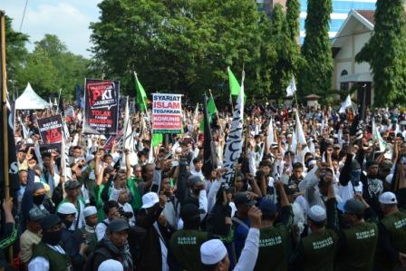 Jangan Heran Kalau sekarang Polisi dan TNI tidak Tegas menghadapi PKI – Panjimas