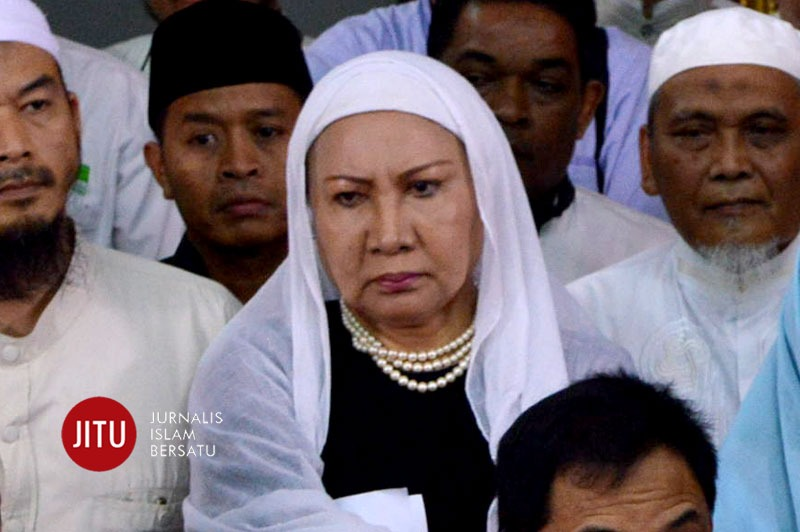 Nangis Bacakan Pledoi, Ratna Sarumpaet: Saya Ingin Hidup di Antara Keluarga