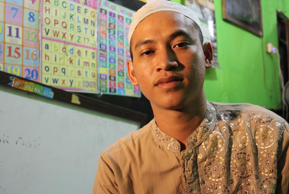 Nurul Fahmi adalah Aktivis Masjid dan Guru Ngaji Anak-anak