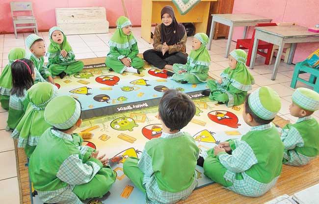 Terima Gaji Kecil, Ikatan Guru TK Mengadu ke Ketua MPR ...