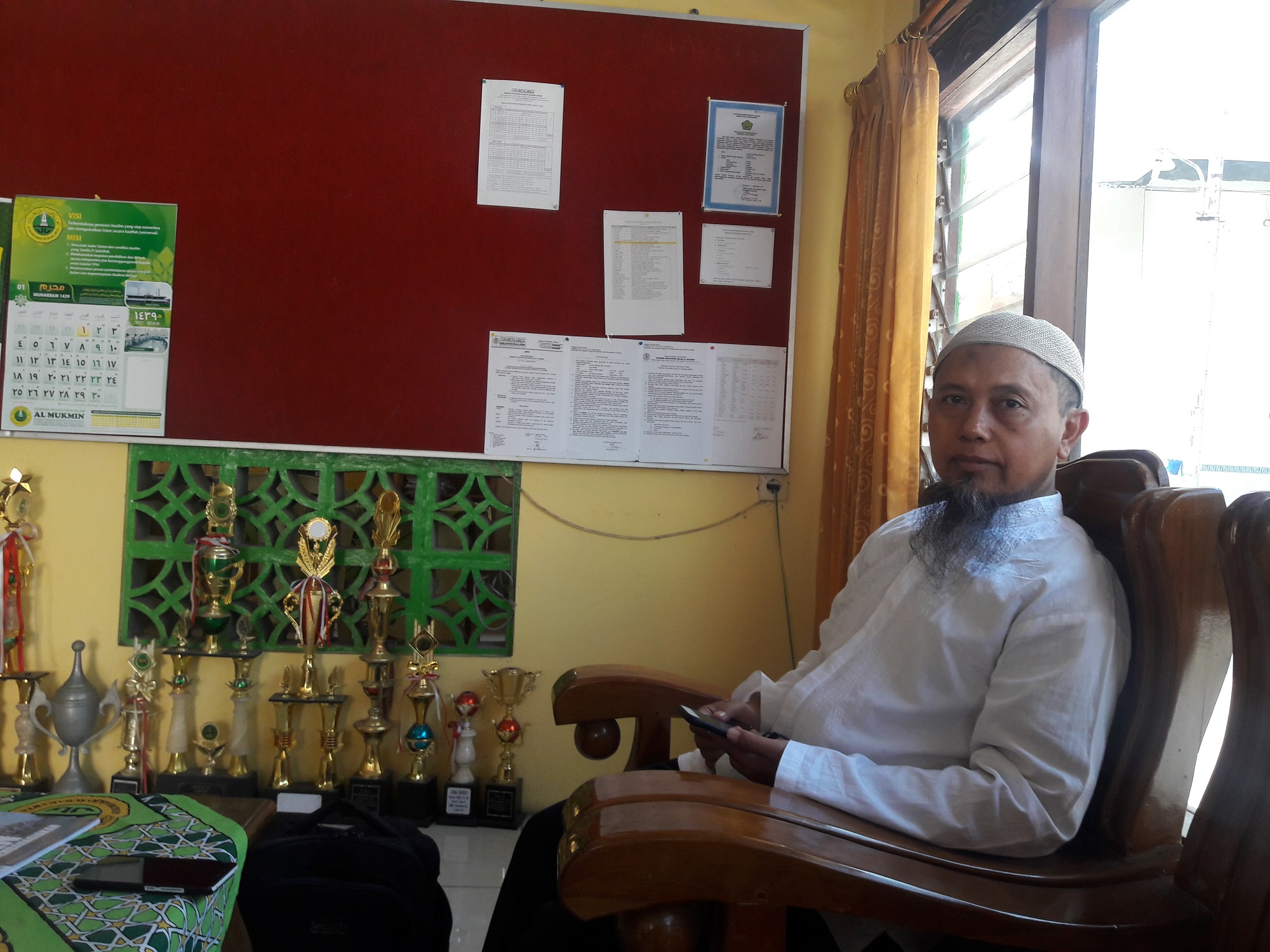 Ustadz Ade Hidayat Sholihuddin Celana Anak Buku Abi